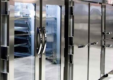 Comment nettoyer et organiser un réfrigérateur commercial